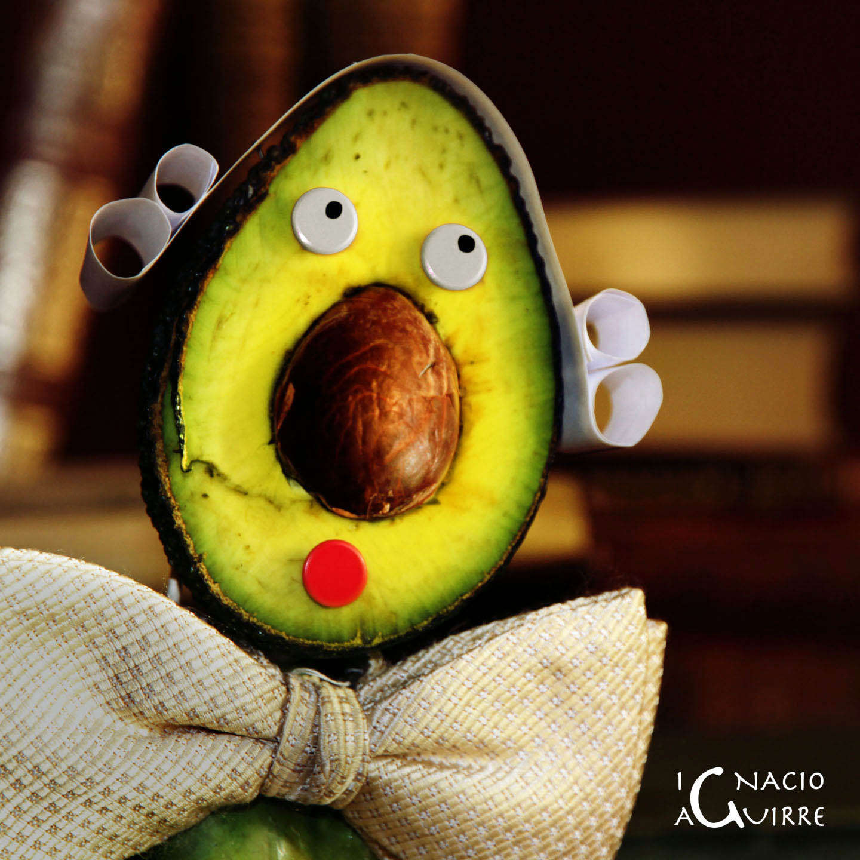 avocado (inglés) ≠ abogado (español)